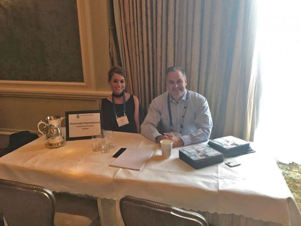 The sun is always shining on the Zinnovate table. David McComb, Mackson Training and Julia Dunder, Zinnovate. Also Carsten Steinmetz, Difference Delivered joined in as selected key WiseService Partners were  teaming up at HTFN in Dublin.